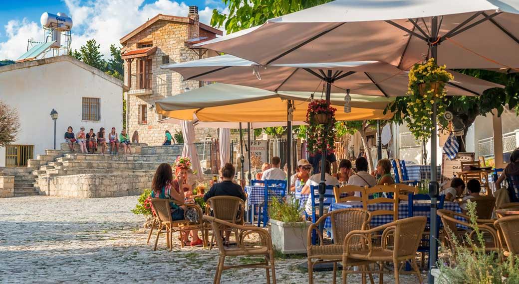 Kıbrıs'ta Resmi Dil Türkçe ve Yunancadır